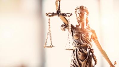 Recht und Regulierung
